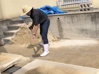 砂を洗う0.jpeg